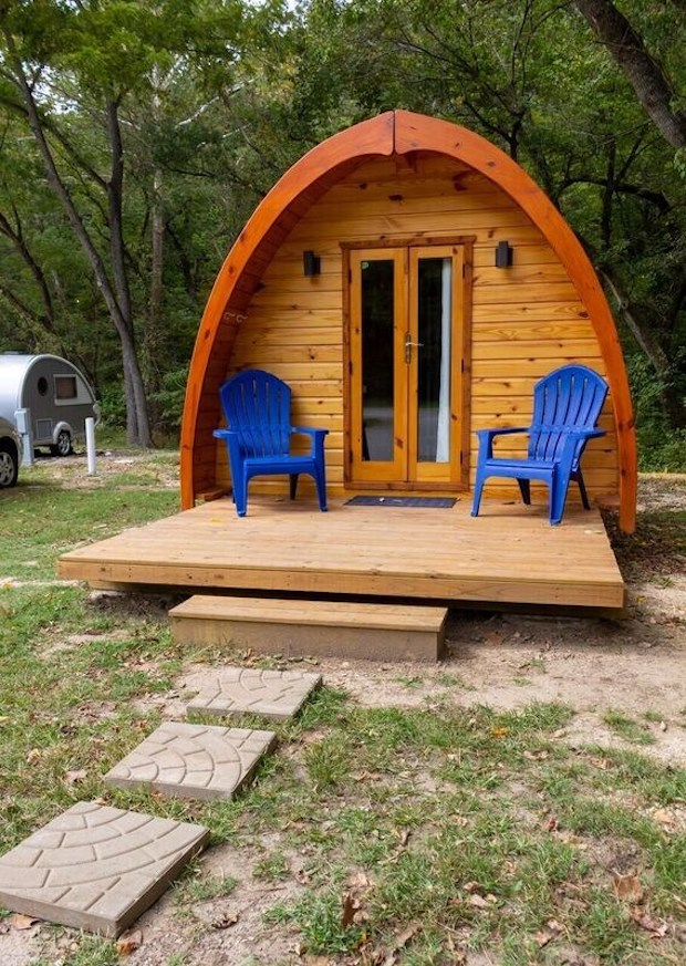 GLAMP IN STYLE KN THIS CABIN IN ARKANSAS