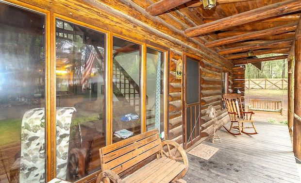 [FOR SALE] AMAZING LOG HOME HIDDEN AMONG THE TREES