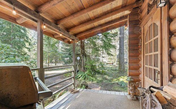 [FOR SALE] LOG CABIN NEAR VARIOUS OUTDOOR ACTIVITIES