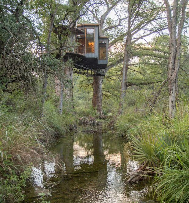RE-CREATE YOUR CHILDHOOD WITH THIS GORGEOUS TREEHOUSE
